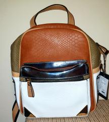 Novi ruksak s etiketom placen 350kn