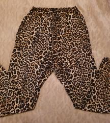 Lagane hlače s tigrastim uzorkom