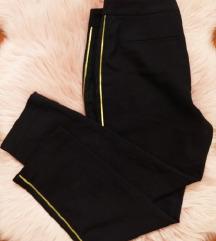 Poslovne hlače sa zlatnom prugom Zara