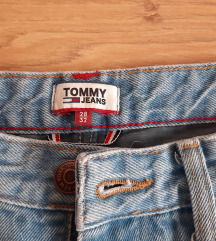 TOMMY HILFIGER TRAPERICE MOM FIT