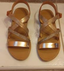 sandale zlatne 31...ko nove