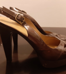 Cipele na visoku petu
