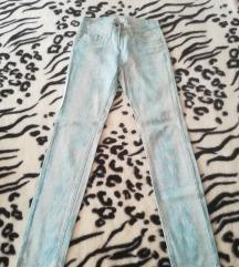 Svijeto plave hlače (zmijski uzorak)