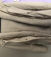 Zimska jakna Bershka