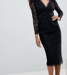 Crna cipkasta haljina petite