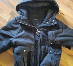 Pull & Bear crna jakna 38-40 s pt
