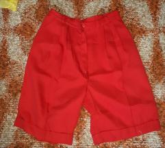 Crvene hlačice
