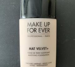 Make Up For Ever puder (PT u cijeni)