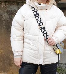 Zara bijela puffer jakna