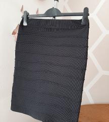 Uska kratka crna suknja