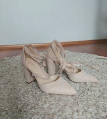 Nude sandale na vezanje