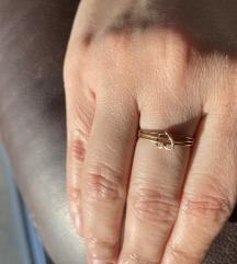 Zlatni prsten s motivom srca - 585