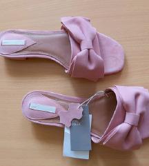 Kožne papuče nove hm