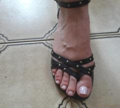 Crne sandale br.41 al odgovara 40