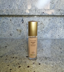 Max Factor Radiant lift Golden natural 55