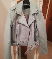 Kožna jakna s etiketom