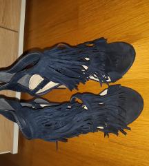 cipele sa resicama