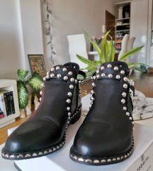 Čizme s perlama