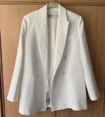 Novi Zara dugi bijeli sako s etiketom