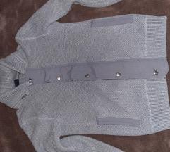 U top stanju Armani Exchange sivi pulover jakna Xs