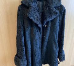 Crni kaput imitacije krzna S/M