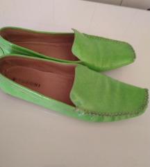 Prodajem nove ženske cipele