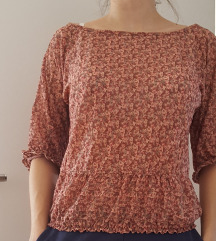 Roza cvjetna bluza