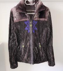 Nova plisana jaknica 40