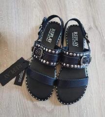 Nove Replay kožne sandale sa zakovicama- etiketa