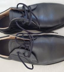Kozne crne cipele ug 28 cm
