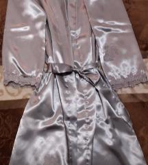Svileni novi ogrtač