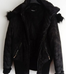 Crna zimska jakna 36 38