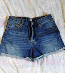 Pull & bear kratke traper hlače