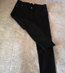 Zara crne traperice