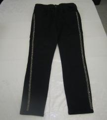 ZARA crne slim hlače