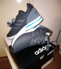 Nove Adidas tenisice,original,vel 42 i 42 i 2/3
