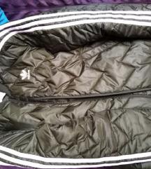 Prodaje se muška ADIDAS jakna NOVA