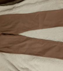 Prljavo roze hlače