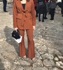 PLT Suit, žensko odijelo