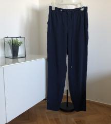 Tamnoplave hlače