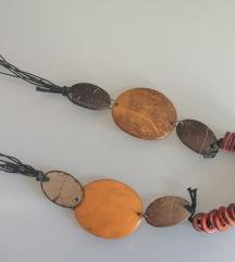 Ogrlica od elemenata kokosova oraha