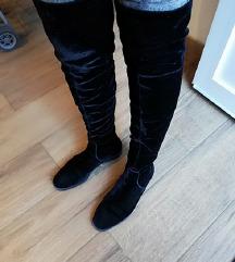 Visoke plišane crne čizme