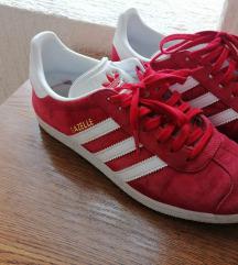 Adidas gazelle crvene tenisice 39.5