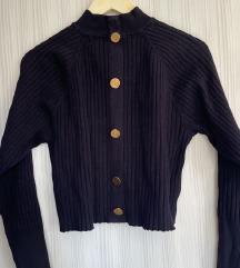Zara pulover sa zlatnim gumbima