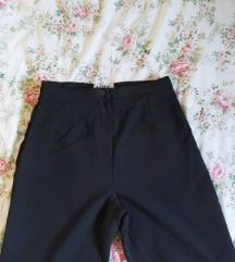 Crne hlače visokog struka