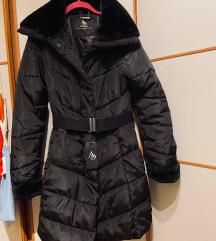 Europa 92, nova duga crna zimska jakna s krznom