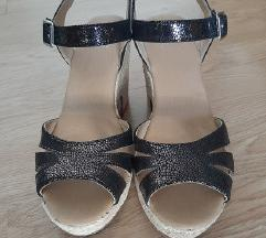 Preudobne platforme sandale