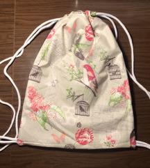 Platneni ruksak sa podstavom