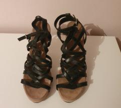 Crne sandale sa remenčićima, visoka peta