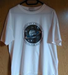 NOVA Pull&Bear Saturn majica XL